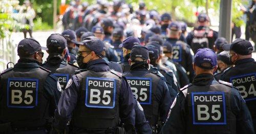 Toronto criticized for heavy police presence at Trinity Bellwoods Park encampment