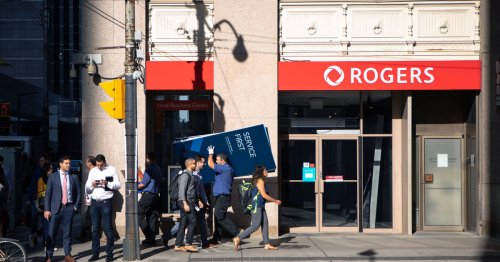 Toronto is furious after waking up to a massive Rogers and Fido phone outage