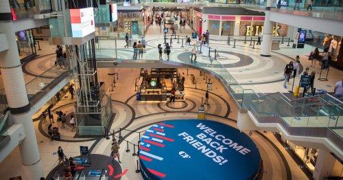 Anti-vaccine passport mobs now targeting Toronto malls