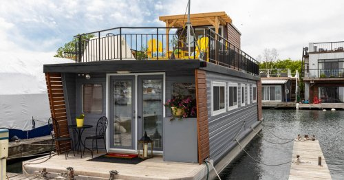 This houseboat could be one of the best real estate deals in Toronto right now at $339K