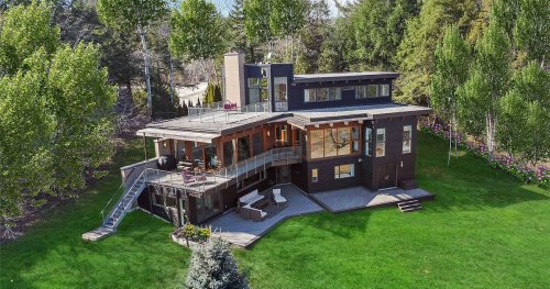You can see New York State from this $3.2M home near Toronto