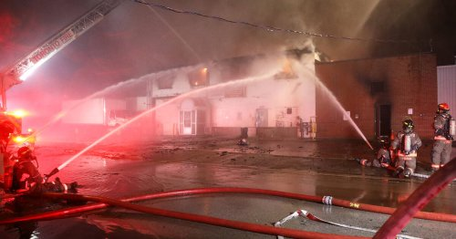 Massive fire totally destroys Toronto bakery known for its strudel and cinnamon buns