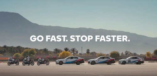 Video: BMW M3 and BMW M 1000 RR do the parking challenge