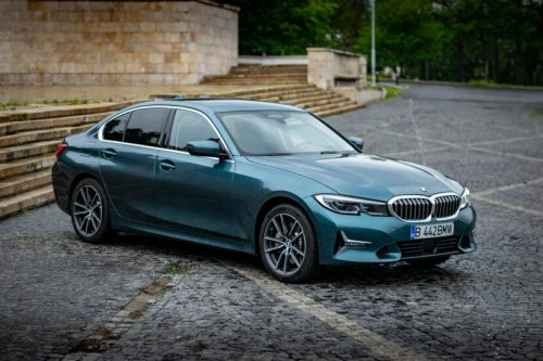 Video: BMW 3 Series vs C-Class and Tesla Model 3 comparison