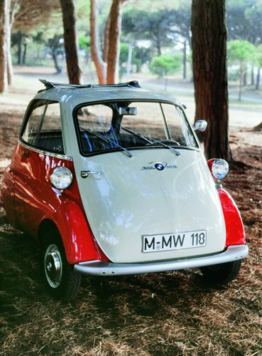 Go and Support This LEGO IDEAS BMW Isetta