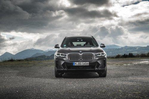 2022 BMW X3 Facelift painted in Frozen Dark Grey Metallic