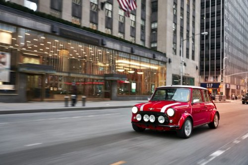 London Electric Cars Offers Affordable Classic Mini Electric Conversion