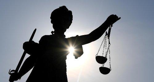 Bundespolizei fesselte Anwalt vor Bundesverfassungsgericht