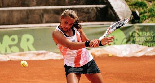 Karlsruher Tennisspielerin Sina Herrmann auf Turnier-Tournee