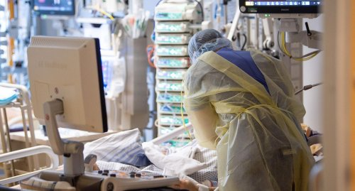 Mediziner: Weniger Intensiv-Patienten bei neuer Corona-Welle