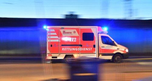 18-Jährige prallt bei Heilbronn mit Limousine gegen Wand