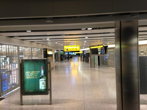 First day of UK travel sees three hour delays at Heathrow, for ARRIVALS - Miles from Blighty