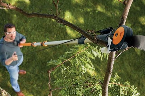 Fiskars Will Walk You Through How to Destroy Its Recalled Pole Saw for a Full Refund