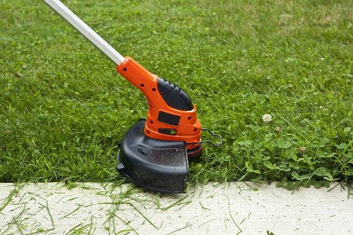 The Best String Trimmers for Yard Maintenance