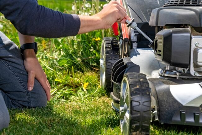 Solved! My Lawn Mower Won't Stay Running. What's Wrong With It?