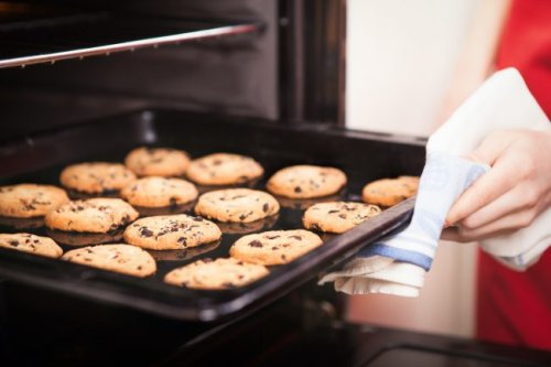 How To: Clean Cookie Sheets