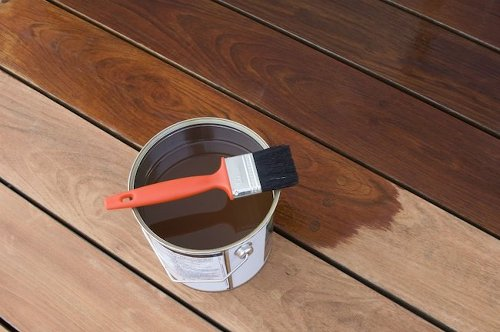 Buyer's Guide: Deck Stain