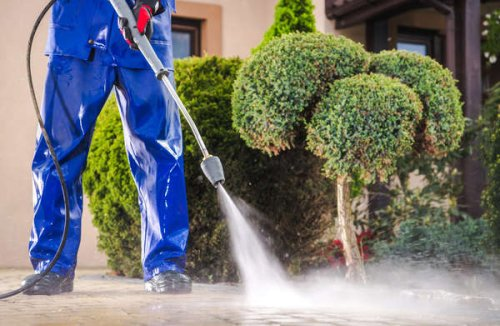 8 Mistakes Most People Make With a Power Washer