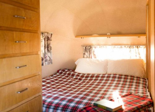 14 of the Coolest and Quirkiest Mobile Homes You Can Rent on Airbnb