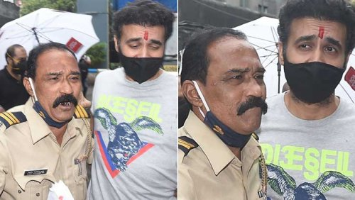 FIRST PICS of Raj Kundra walking out of Mumbai Jail after securing bail in porn case | Bollywood Bubble