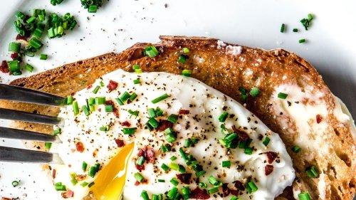 How to Poach an Egg All the Ways (Okay, Three)