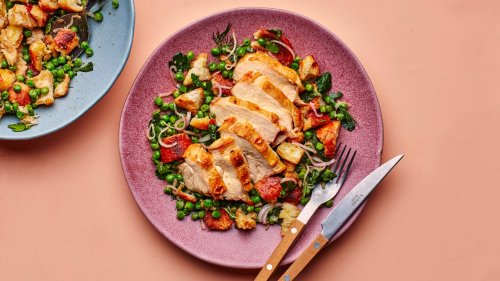 Chicken Breast With Peas and Croutons