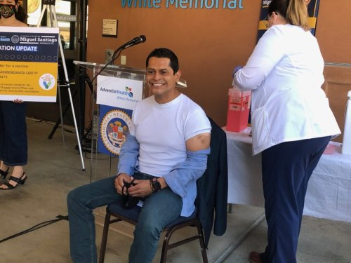 Miguel Santiago urges youth to get vaccinated