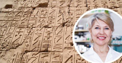 Dank Übung an Arzt-Handschriften: Apothekerin entschlüsselt ägyptische Hieroglyphen