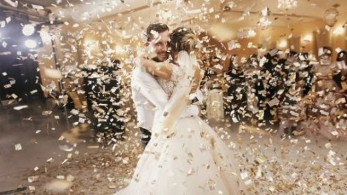 How to Keep Your Wedding Moment Alive Always in Your Mind