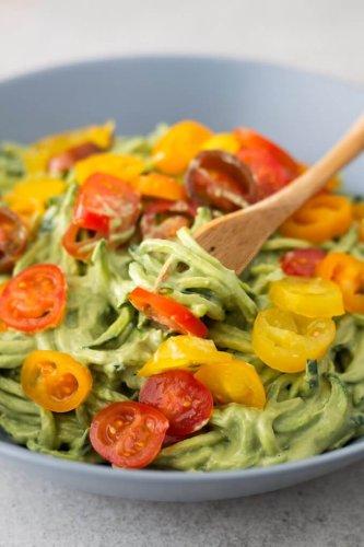 Healthy & Light Zucchini Spaghetti With Avocado Sauce