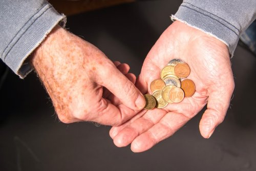 Abschaffung kleiner Cent-Münzen würde Einkaufszeit für Senioren um 40% verkürzen