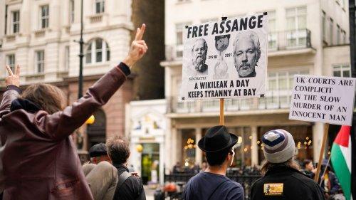 Amnesty International fordert Freilassung von Julian Assange