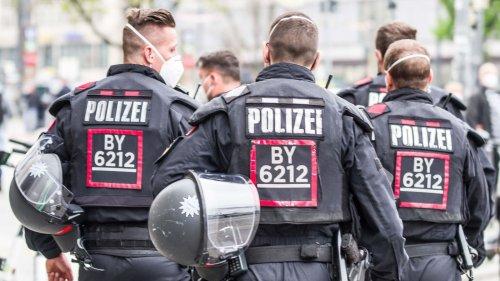 """Pyrotechnik und """"aggressives Verhalten"""" bei Demo in Nürnberg"""