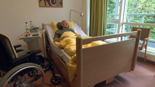 """Begleitung am Lebensende: Auftakt zur """"Woche für das Leben"""""""