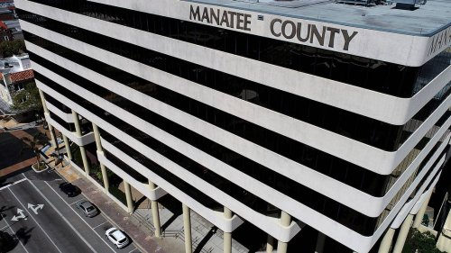 COVID-19 outbreak forces closure of Manatee government headquarters. 2 people have died