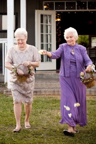 5 Special Wedding Roles for Your Grandma