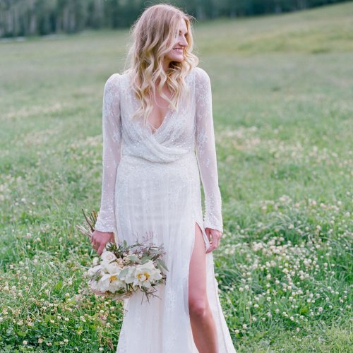 19 Gorgeous Wedding Dresses With Slits for Every Budget