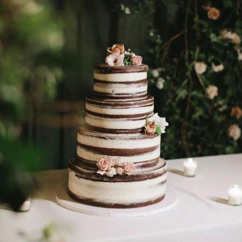 22 Decadent Chocolate Wedding Cakes