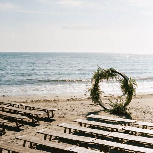 How to Plan a Beach Wedding: Tips and Etiquette