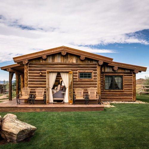 15 Most Romantic Honeymoon Cabins in the U.S.