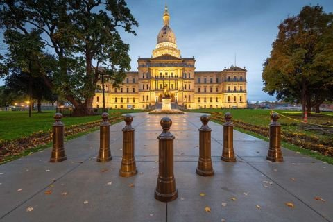 Michigan House votes to bar Airbnb bans