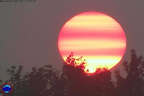Smoke from wildfires making Michigan's sunsets even more vibrant