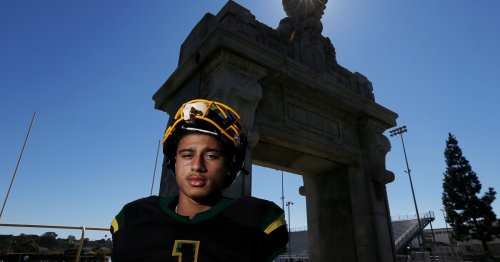 'I'm that roach you can't kill': San Pedro's Robert Sarmiento will bug and thrill you