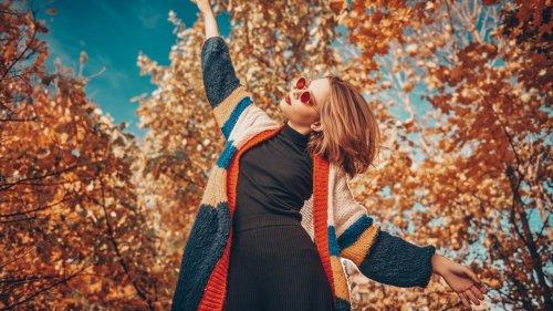 Cardigan Trends 2021: Diese Strickjacken tragen wir im Herbst