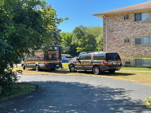 Body in Bloomington dumpster leads to miles-long police chase with young child in car