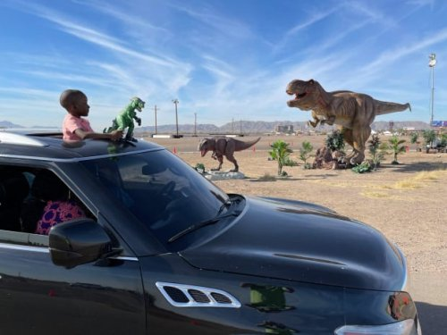 50 animatronic dinosaurs to take over Mall of America parking lot
