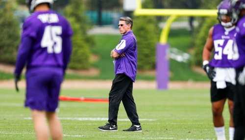 Coller: Vikings should commit to 'best player available'