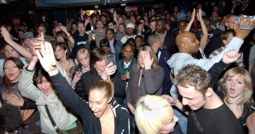 Throwback photos show packed Bristol nightclubs in the 90s