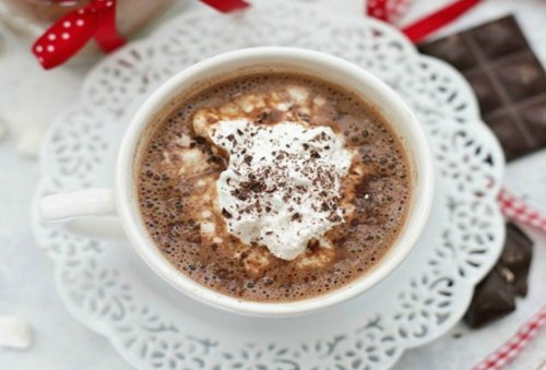 15 Creamy Vegan Hot Chocolate Recipes to Satisfy Any Dairy-Free Drinker