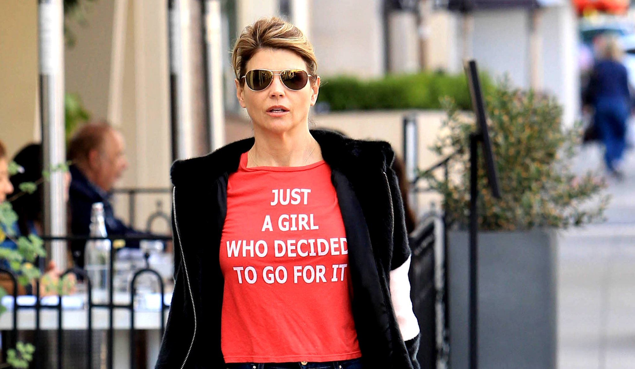 Lori Loughlin Gets Approval To Serve Time In Cushy Prison That Offers Yoga, Pilates, Music Lessons And More! - BroBible